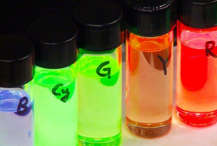colloidal quantum dot lasers